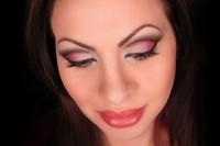 آرایش دودی صورتی چشم