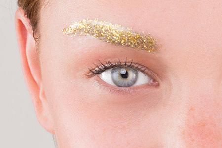 آموزش آرایش ابروهای طلایی 1