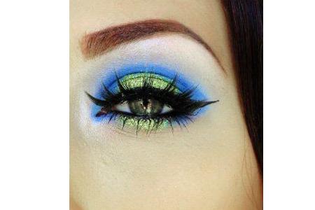 آموزش آرایش چشم فانتزی