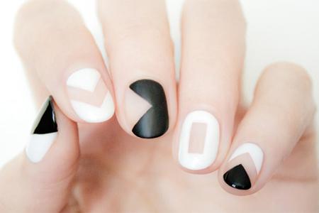 آموزش آرایش ناخن سیاه و سفید 2