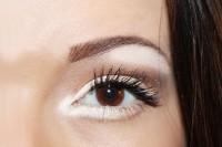آرایش چشم با سایه سفید