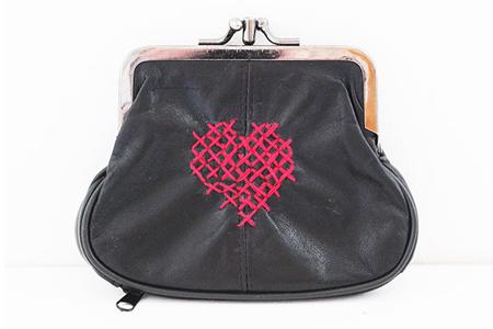 آموزش طرح قلب روی کیف پول
