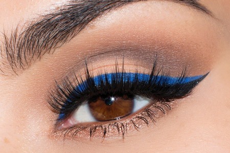آرایش چشم با خط چشم آبی