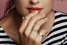 مدل جواهرات Ariel Gordon