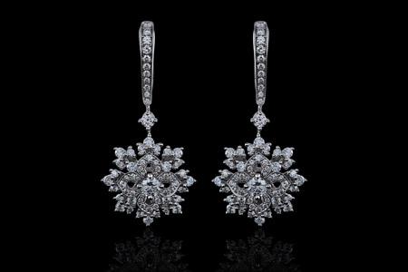مدل جواهرات De Laur