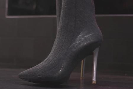 فیلم کفش های پاشنه بلند با جوراب