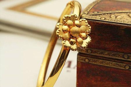 مدل جواهرات Manubhai
