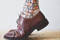 آموزش تصویری طراحی روی جوراب