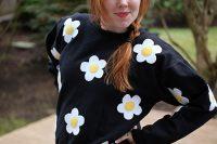 آموزش طرح گل روی لباس
