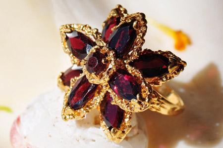 مدل جواهرات Ricardo Basta