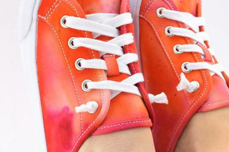 آموزش رنگ آمیزی کفش با یخ 2