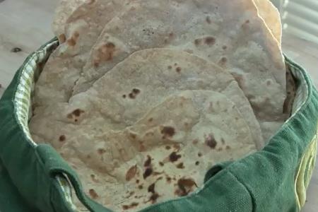 فیلم آموزش تهیه نان لواش خانگی