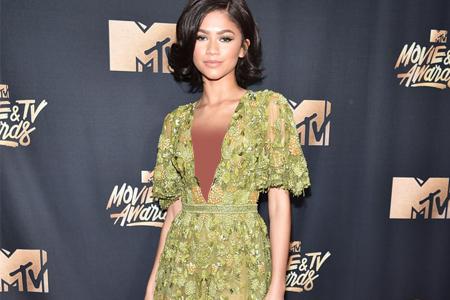 لباس های مراسم فرش قرمز MTV Movie & TV Awards 2017 7