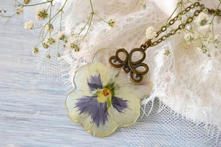 مدل زیورآلات با گل طبیعی 5