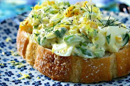 طرز تهیه سالاد تخم مرغ کلاسیک