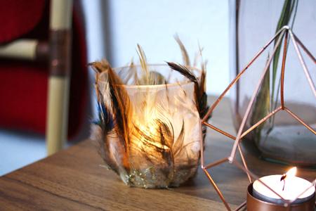 آموزش ساخت جا شمعی شیشه ای با پر 2
