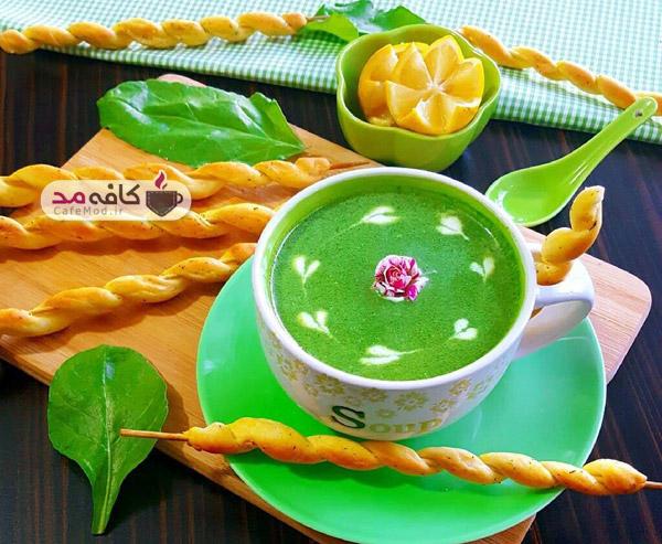 سوپ اسفناج با نان سوپ
