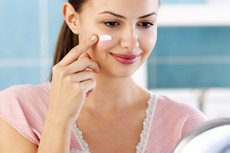 زیر سازی پوست صورت در هنگام آرایش 1