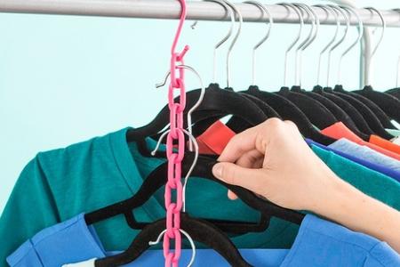 ایده ای جالب برای آویزان کردن لباس ها با فضای کم 1