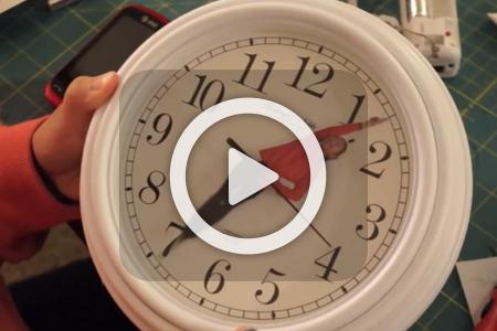فیلم ساخت ساعت عقربه های انسانی