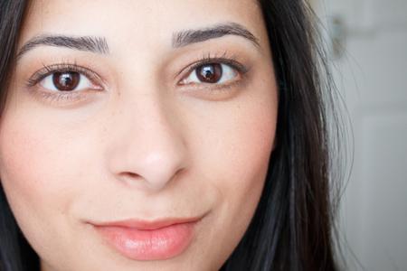 آموزش آرایش چهره ملایم و ساده 2