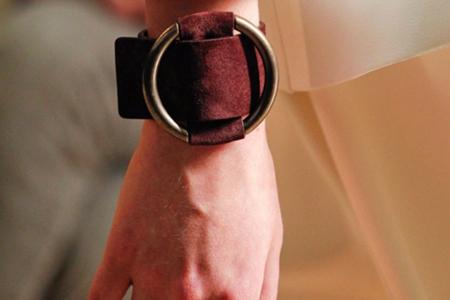 آموزش ساخت دستبند چرمی زنانه 2