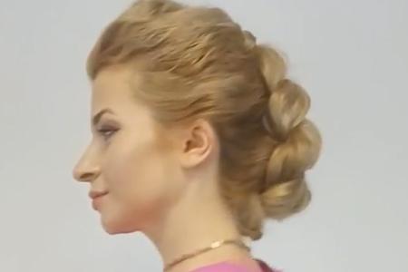 فیلم آموزش آرایش موی بلند در منزل