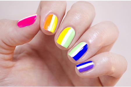 آموزش تصویری طرح رنگین کمان روی ناخن 2
