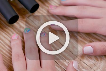 فیلم آموزش آرایش ناخن با لاک و آب