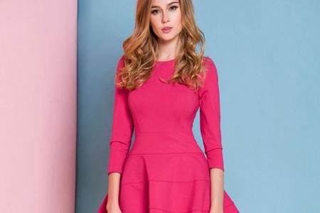 اصول ست کردن لباس با رنگ صورتی 3