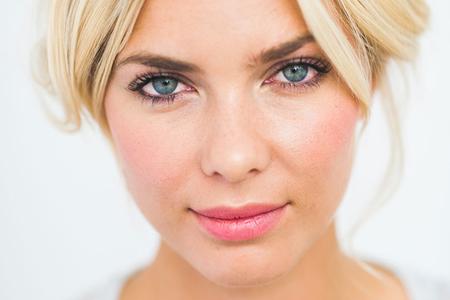 آموزش آرایش ملایم صورت و چشم ها 1