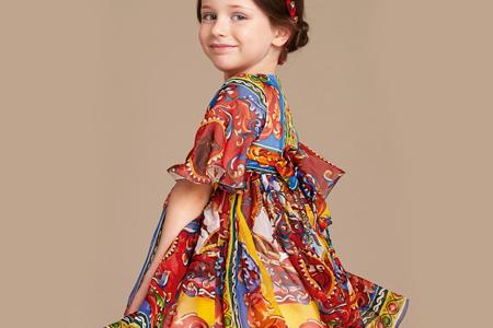 انتخاب مناسب لباس برای دختر بچه ها 2