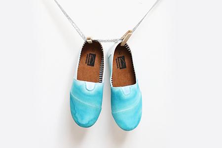 آموزش رنگ آمیزی کفش ساده و سفید 1