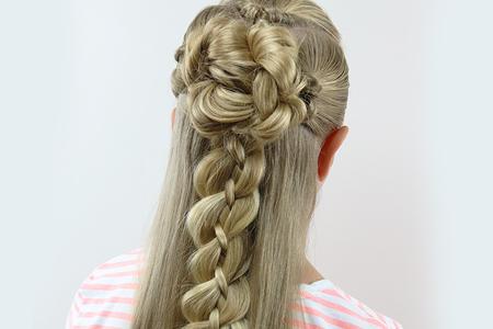 مدل های زیبا از بافت موی دخترانه 10