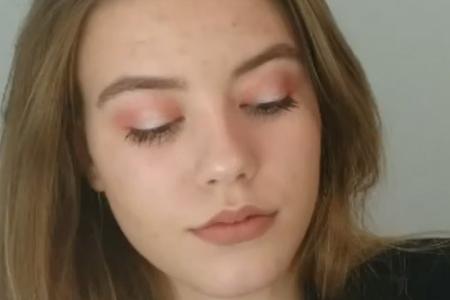 فیلم آموزش آرایش چشم صورتی