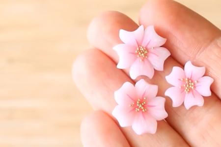 فیلم ساخت گلهای خمیری برای تزیین
