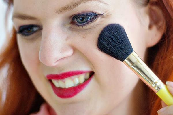 آموزش آرایش کامل چشم و ابرو و لب
