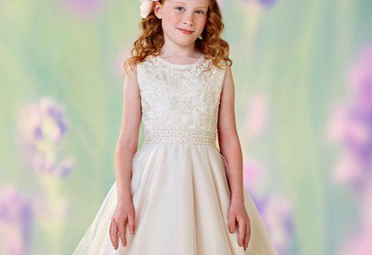 مدل لباس عروس دخترانه Moncheri