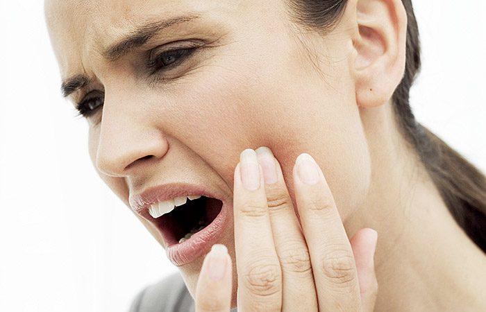 دلایل خرد شدن ناگهانی دندان ها