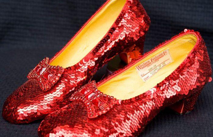 کفش هایی با نگین الماس