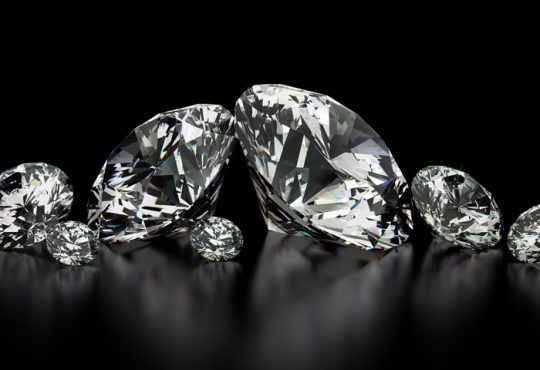 آیا الماس و برلیان با هم فرق دارند؟