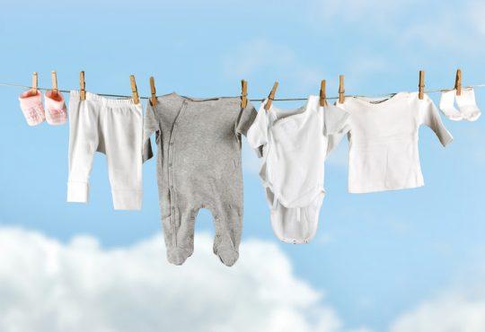 مراقبت و نگهداری از لباس کودک