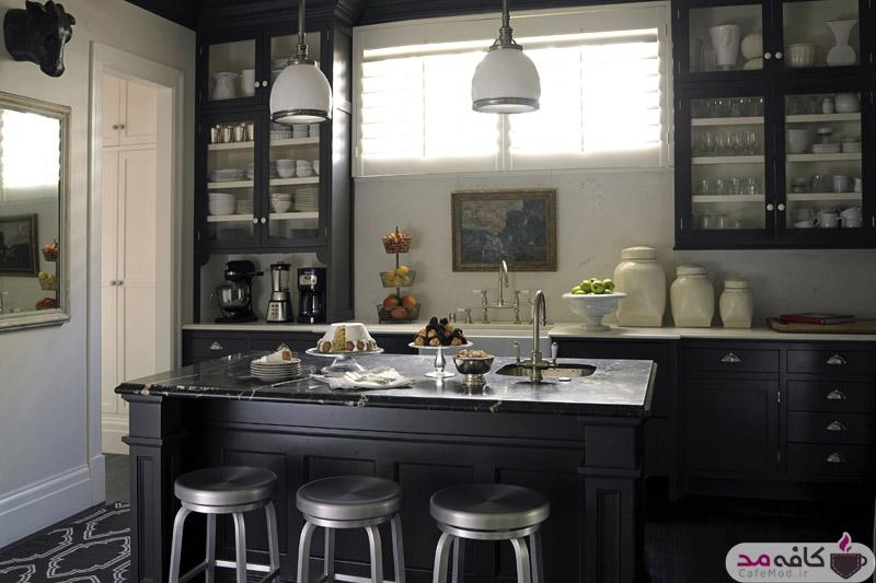 آشپزخانه با کابینت مشکی