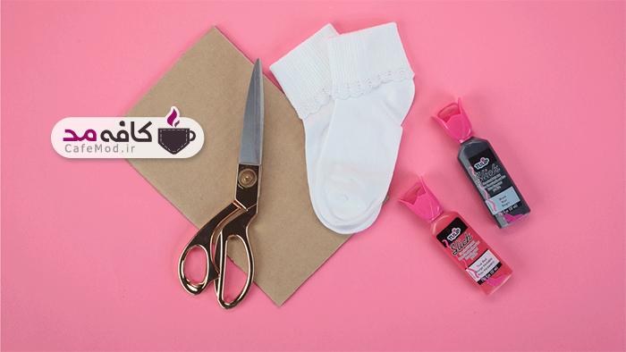 آموزش طرح کفشدوزک روی جوراب بچه گانه