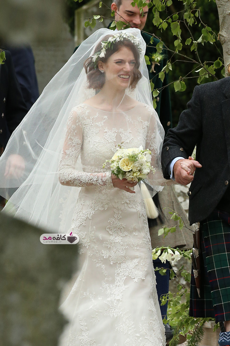 rose-leslie-seen-arriving-at-her-wedding-with-kit-harington-in-scotland-11