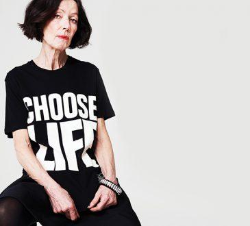 کاترین همنت طراح بریتانیایی تیشرتهای نوشتهدار