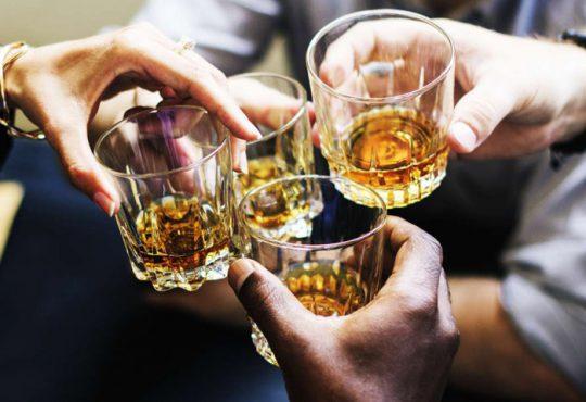 سازمان جهانی بهداشت درباره مصرف نوشیدنی های الکلی هشدار داد