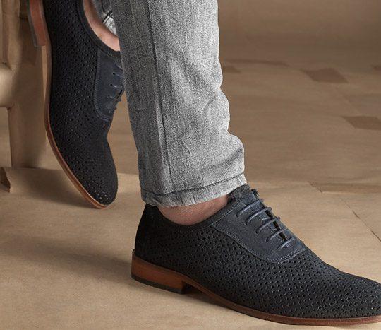 روش صحیح بستن بند کفش مردانه