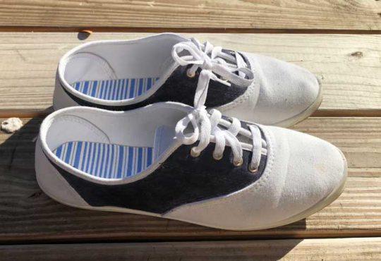 آموزش تغییر کفش کتان سفید