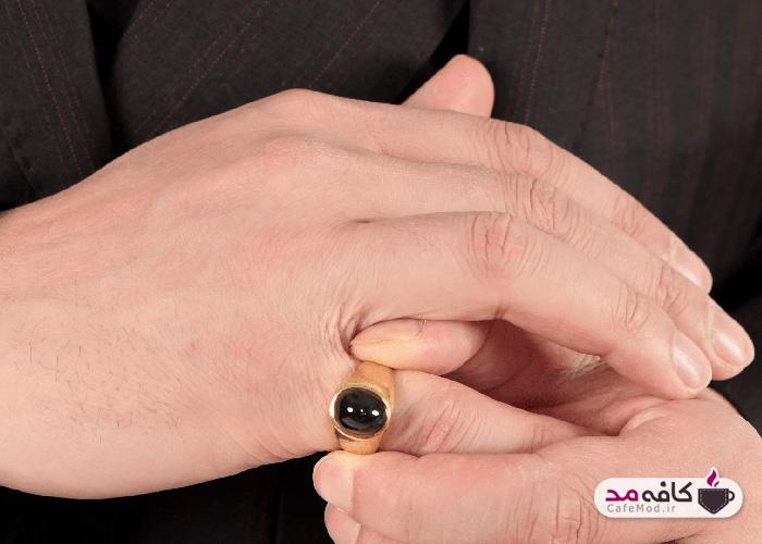 انگشتر مردانه و معنای آن در هر انگشت